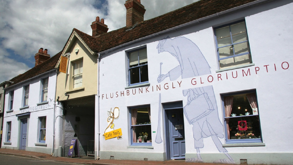 A Buzzyhumming Summer at the Roald Dahl Museum