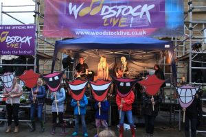 Woodstock Live Music free festival in Oxfordshire, family day with kids