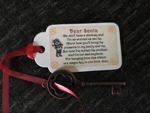 Key tag santa