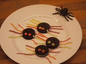 Spider oreos halloween recipes