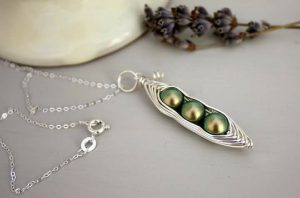 pea pod jewellery necklace